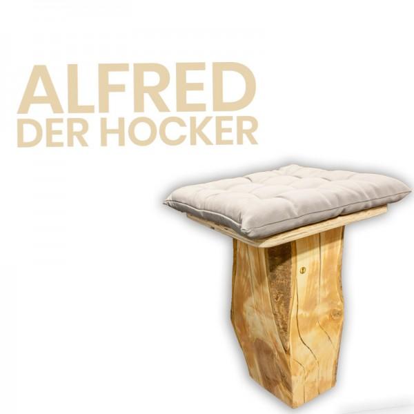 ALFRED - der Hocker || aus einem Stück Wildkirsche, Höhe 50cm